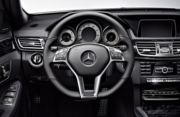 Mercedes-Benz E-Class Wagon steering wheel