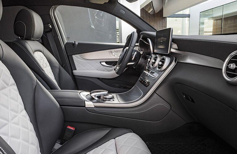 Mercedes-Benz GLC SUV Gray and Black Interior_o