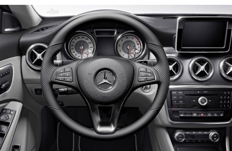 2017 Mercedes-Benz CLA250 4MATIC Dashboard