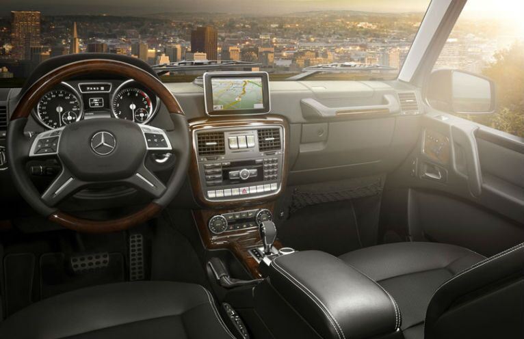 2017 Mercedes-Benz G550 SUV Infotainment Screen