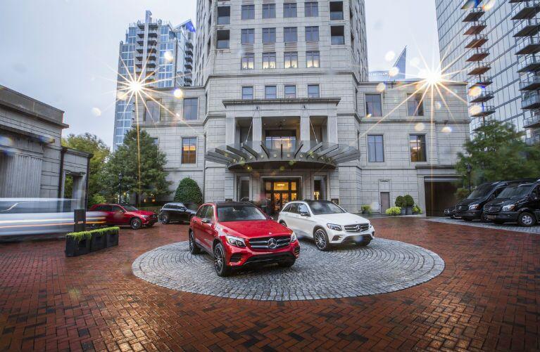 2017 Mercedes-Benz GLC Red vs White