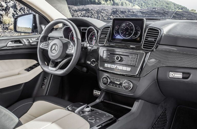 2017 Mercedes-Benz GLE coupe interior