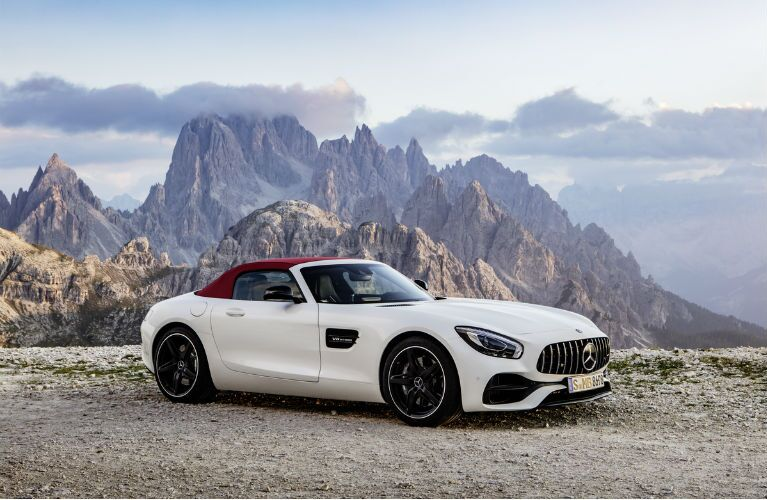 2018 Mercedes-AMG GT Roadster Headlights and Grille