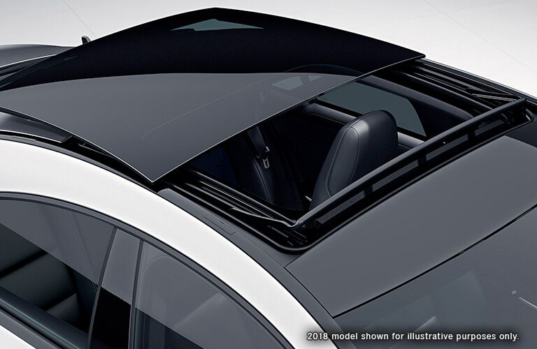 2018 MB CLA exterior top view of sunroof