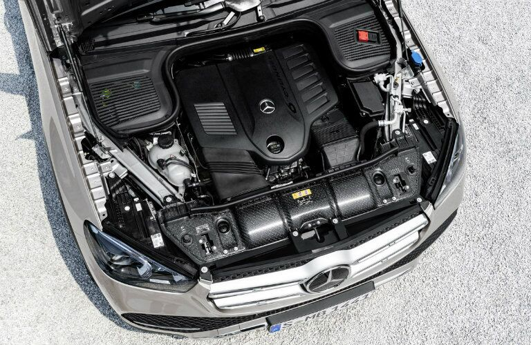 2020 MB GLE exterior looking down on engine
