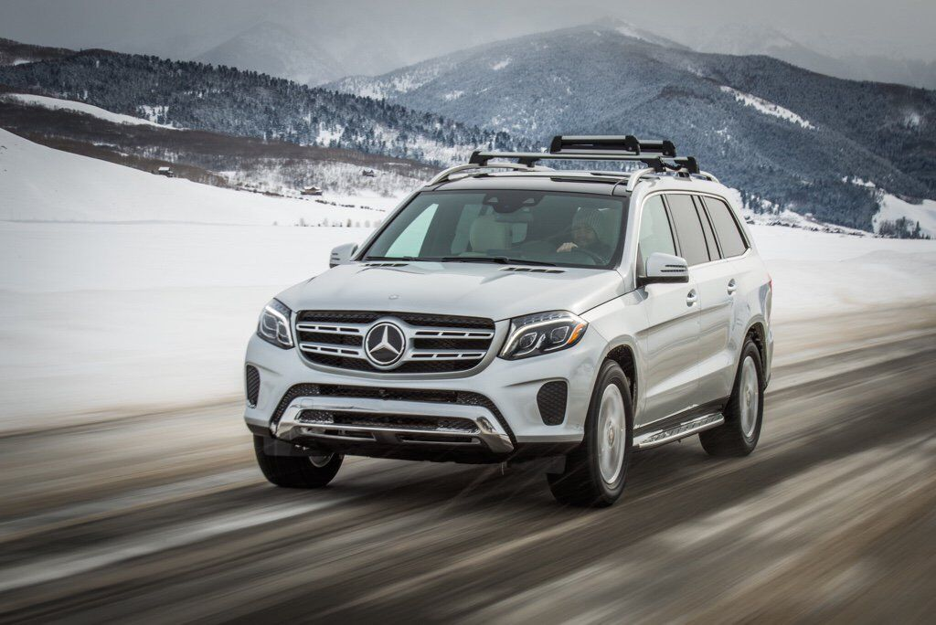 How does the GLS drive in snow?