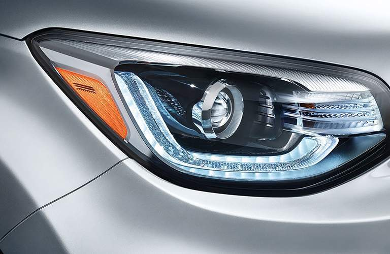 2018 Kia Soul headlight