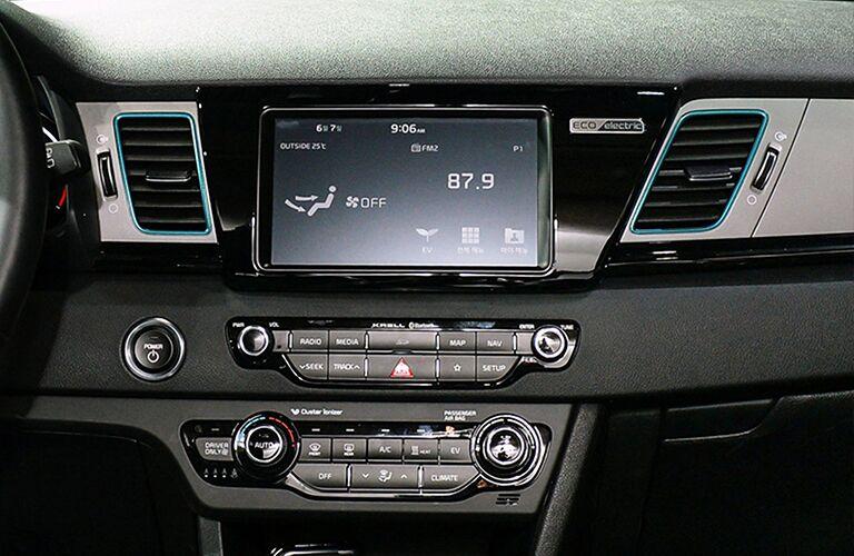 2019 Kia Niro center console