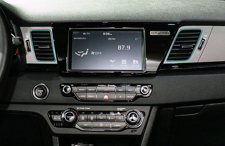 Kia Niro front monitor with radio tuned to 87.9 FM