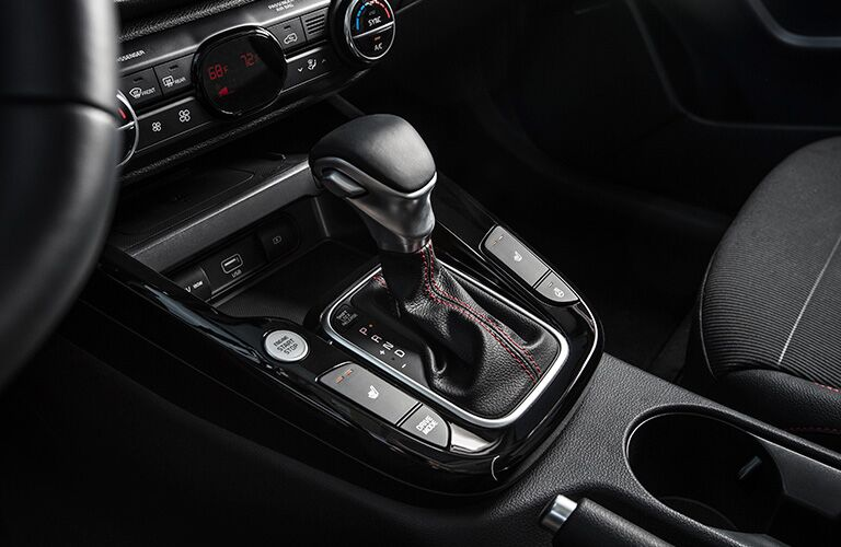 Shift knob and push-button start of the 2020 Kia Soul