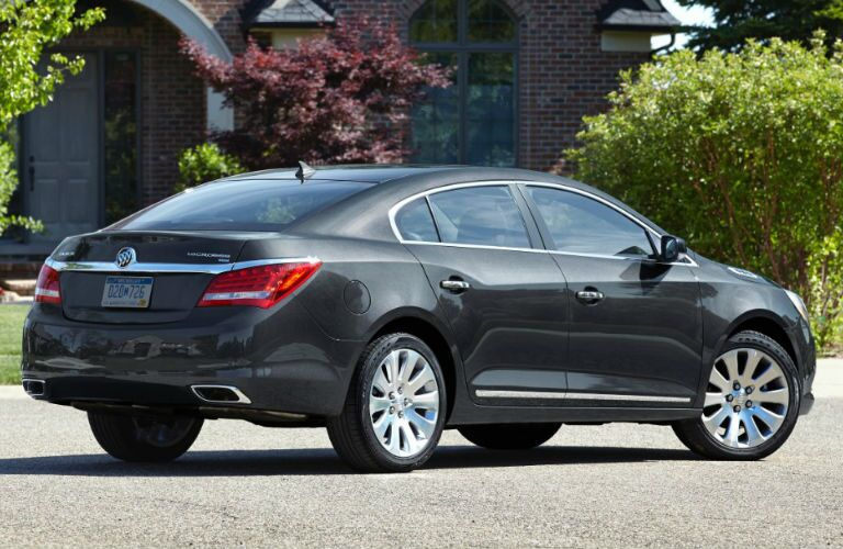 Side/rear profile of 2016 Buick LaCrosse