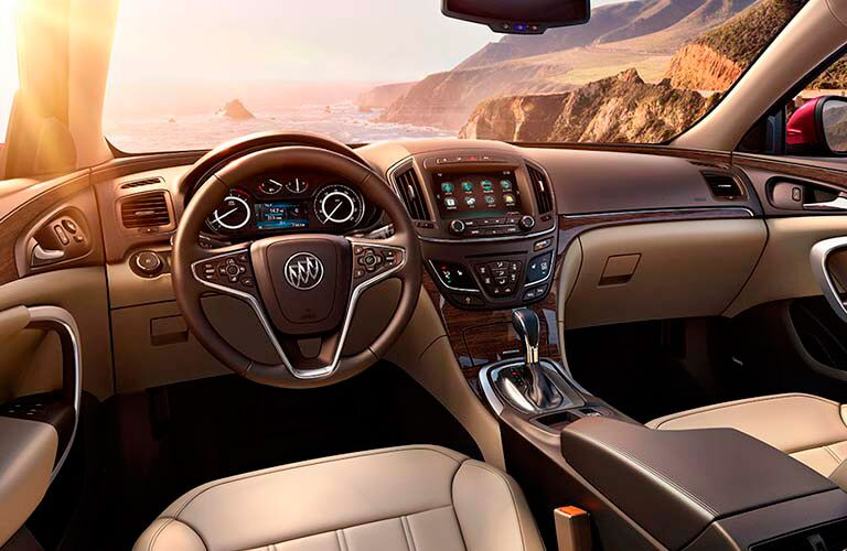 Front dash of 2016 Buick Regal
