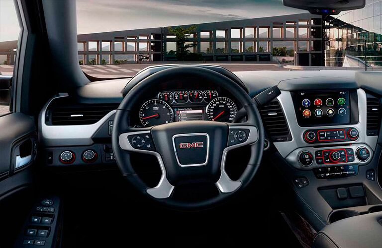 Front dash of the 2016 GMC Yukon
