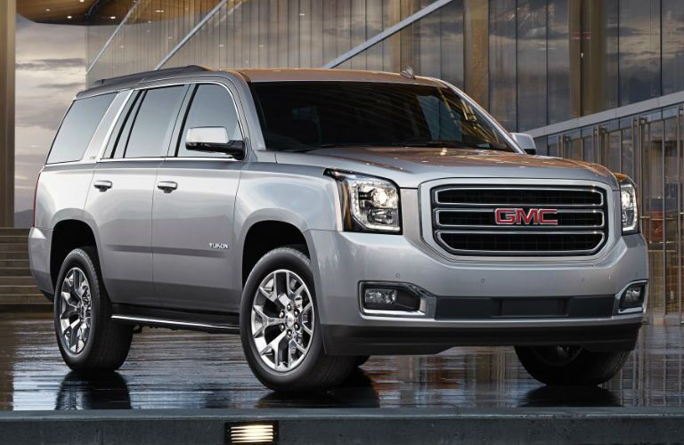Front and side view of the 2016 GMC Yukon