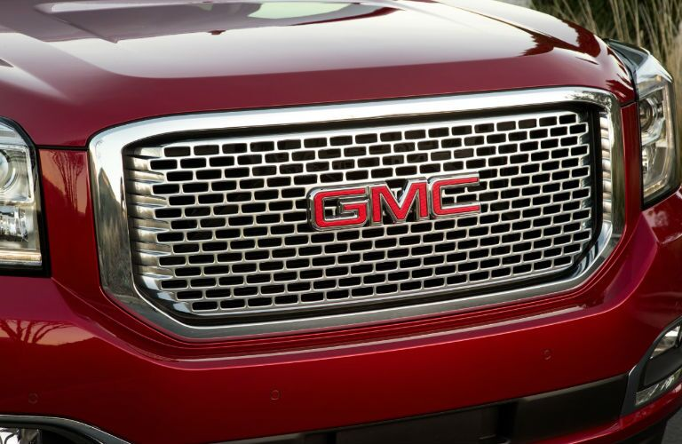 Front grille of 2016 GMC Yukon XL