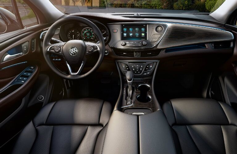 Front dash of 2017 Buick Envision