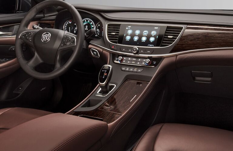 2018 Buick LaCrosse Avenir dashboard features