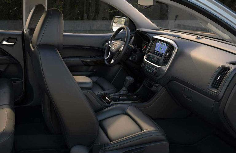 Side view of the 2018 GMC Canyon's front seats