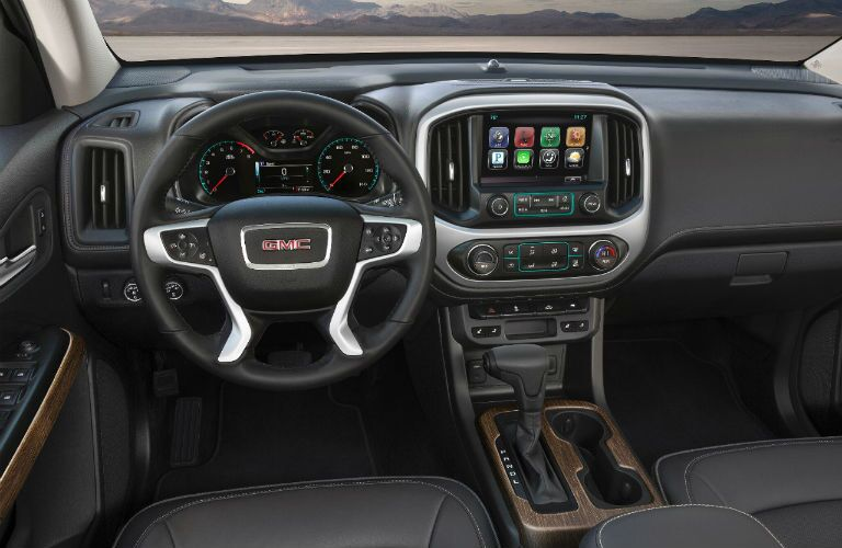 2018 GMC Canyon Denali interior dashboard features