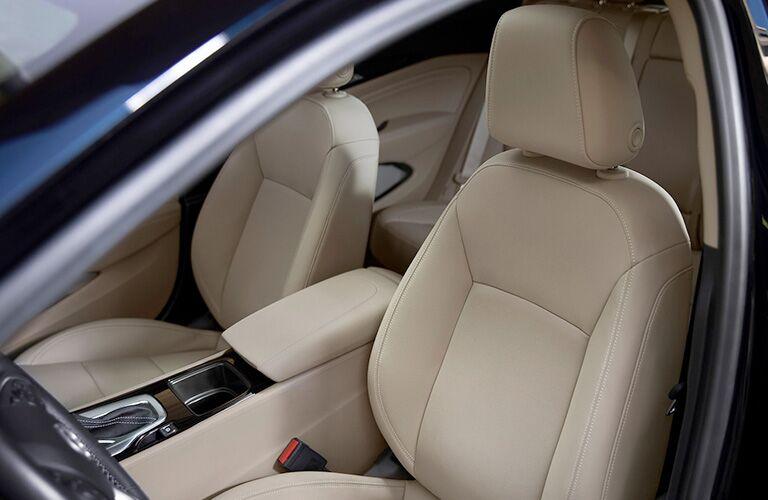 2019 Buick Regal Sportback front passenger seats