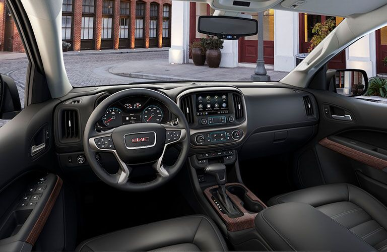 2019 GMC Canyon Denali dashboard features