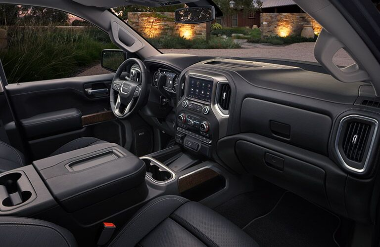 2019 GMC Sierra 1500 Denali front seats and dashboard