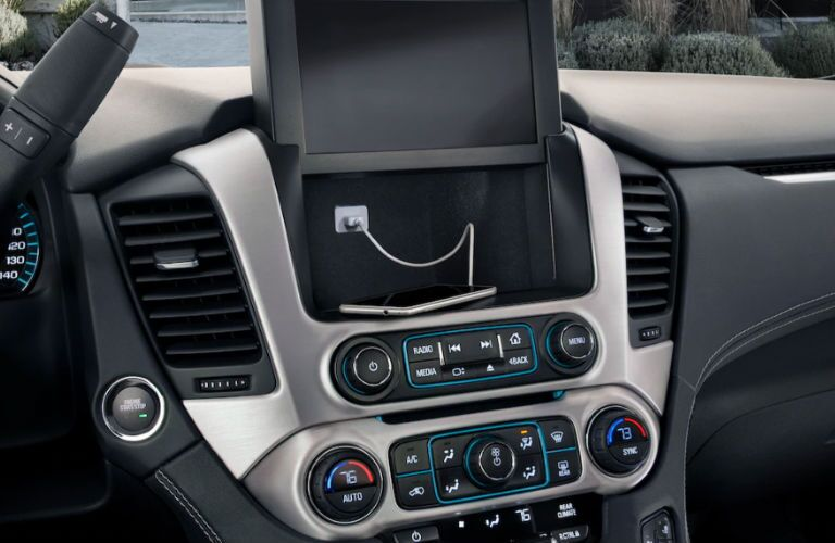 2019 GMC Yukon XL dashboard features