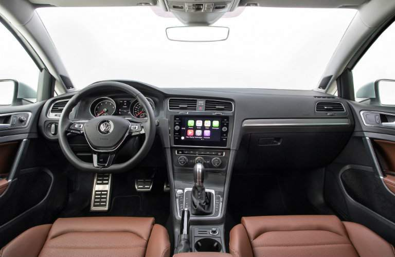 2018 Volkswagen Golf Alltrack Interior and Dashboard