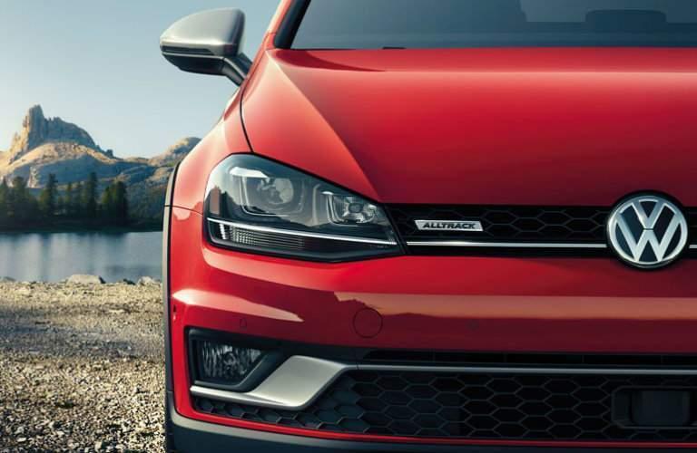 2018 Volkswagen Golf Alltrack Tornado Red