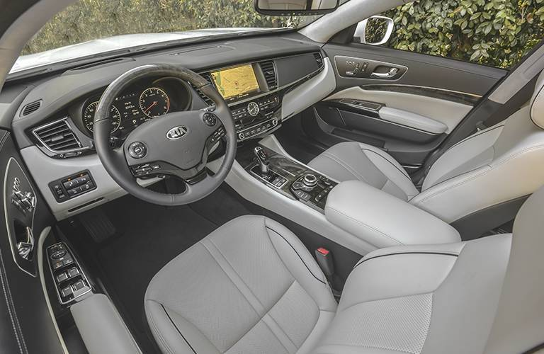 2016 Kia K900 vs. 2016 Hyundai Equus luxury sedan LeBron James 420 HP 17 speakers UVO eServices Chauffeur Seating Switch Airport Kia of Naples Marco Island Fort Myers FL