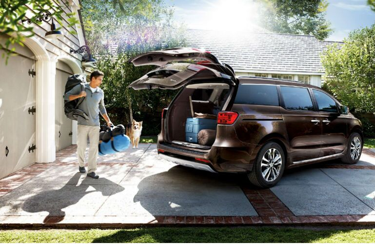 2016 Kia Sedona cargo room Airport Kia of Naples FL