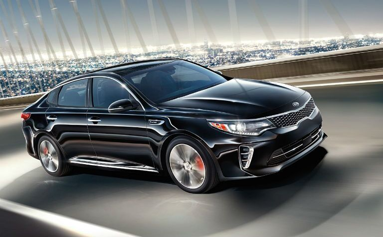 2016 Kia Optima vs. 2016 Nissan Altima mid-size sedans performance fuel economy