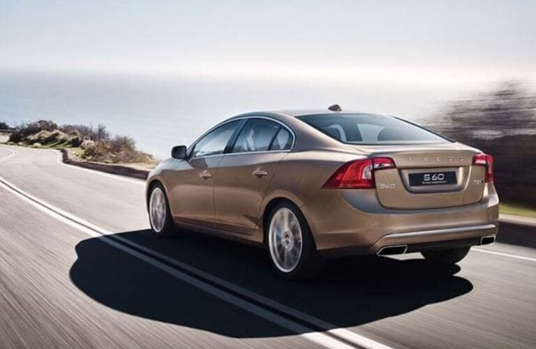 2018 volvo s60 rear view driving