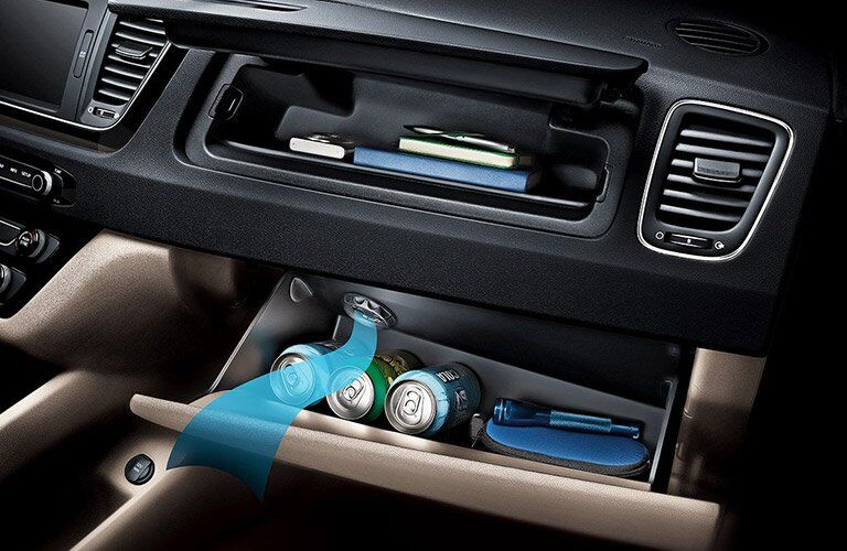 2017 Kia Sedona cooled glovebox
