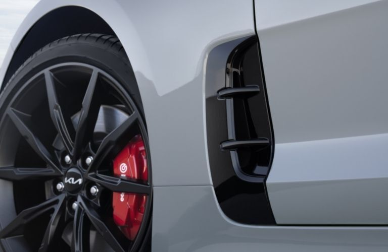 2022 Kia Stinger exterior close up of wheel