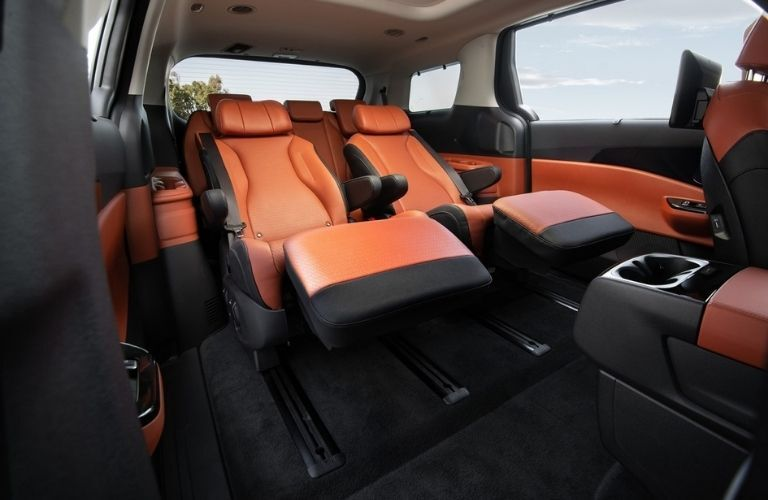 reclining rear seats of the 2022 Kia Carnival