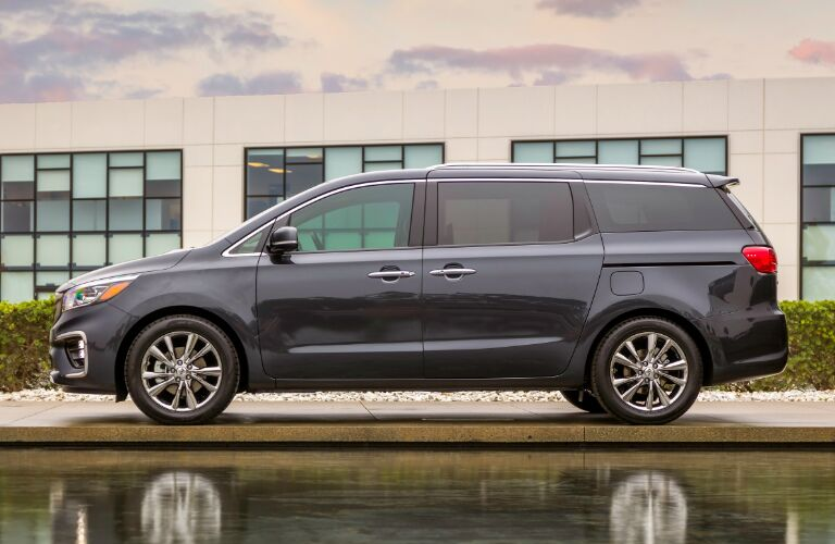 Side View of Dark Grey 2019 Kia Sedona