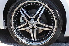 Kia Soul with 20 inch Lexani wheels