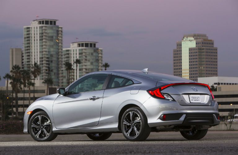2017 Honda Civic Coupe Exterior Rear Profile