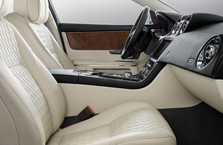 2017 Jaguar XJL Portfolio front seats and steering wheel
