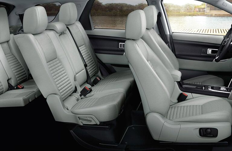 2016 Land Rover Discovery Sport vs. 2016 Volvo XC60 seating
