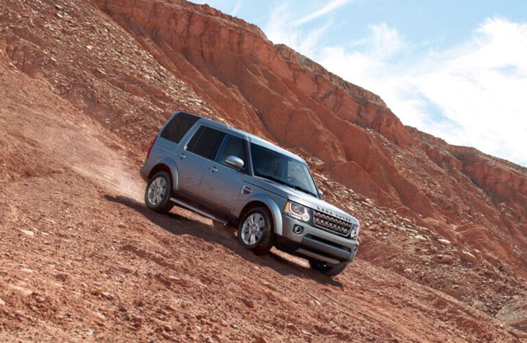 2016 Land Rover Range Rover on gravel