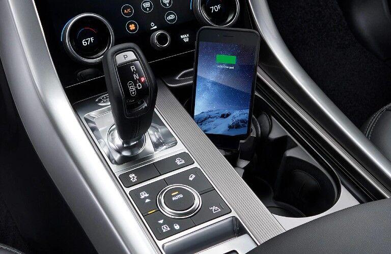 2021 Range Rover Sport center console