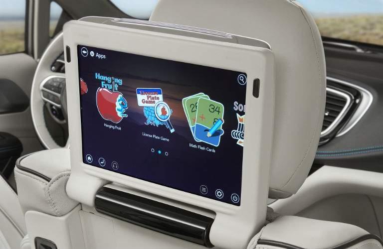 2018 chrysler hybrid. brilliant hybrid 2018 chrysler pacifica hybrid rear interior entertainment system intended chrysler hybrid