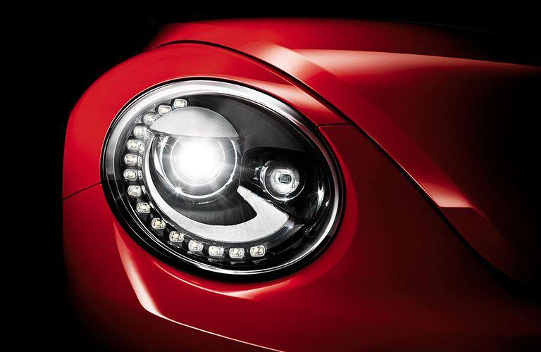 2016 Volkswagen Beetle headlight