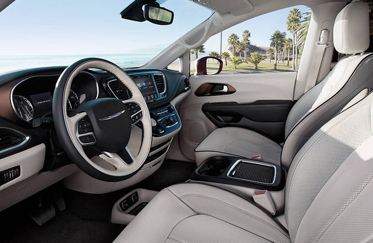 front dashboard of the 2017 Chrysler Pacifica with an attractive steering wheel and infotainment system