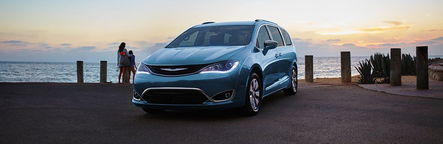 2017 Chrysler Pacifica Hybrid St. Paul MN