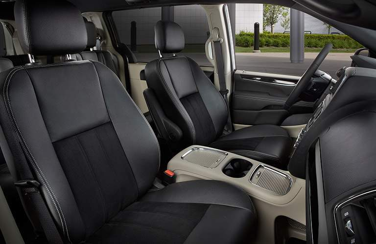 comfortable black front seats of the 2017 Dodge Grand Caravan