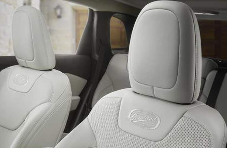white headrests in the 2018 Jeep Cherokee