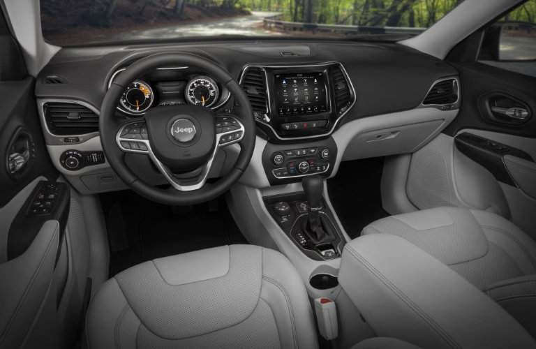 2019 Jeep Cherokee steering wheel and dashboard